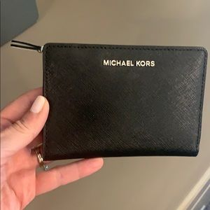 Michael Kors 2019 wallet black and white